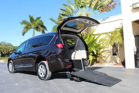 2018 Chrysler Pacifica Hybrid for sale in Fort Myers, FL