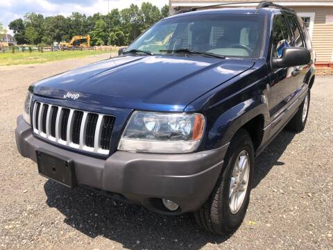 2004 Jeep Grand Cherokee for sale at AUTO OUTLET in Taunton MA