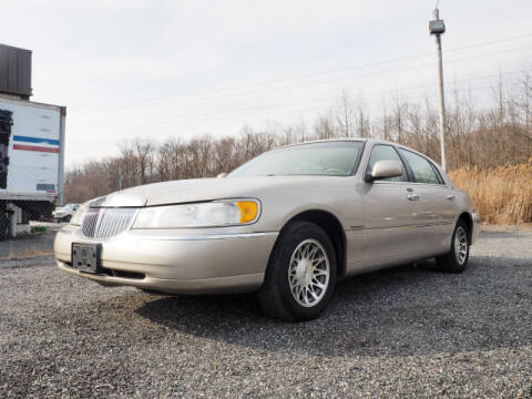 2000 Lincoln Town Car Signature for sale at Joppa Car and Truck World in Joppa MD