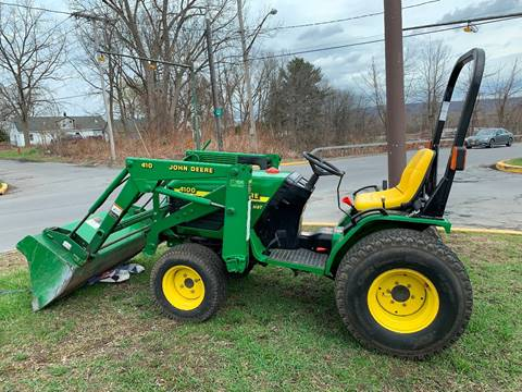 2001 John Deere 4200 for sale in Utica, NY