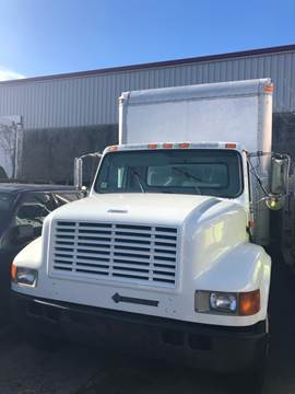 2001 International 4700 for sale in Freeport, NY