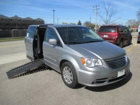 2016 Chrysler Town and Country for sale in Niles, IL