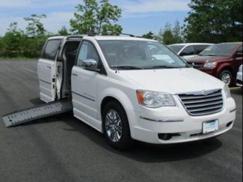 2010 Chrysler Town and Country for sale in Londonderry, NH