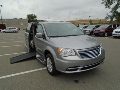2016 Chrysler Town and Country for sale in Albany, NY