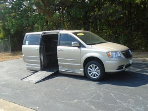 2016 Chrysler Town and Country for sale in Doraville, GA