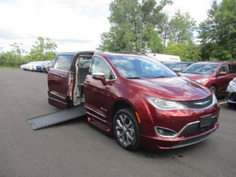 2017 Chrysler Pacifica for sale in Woburn, MA