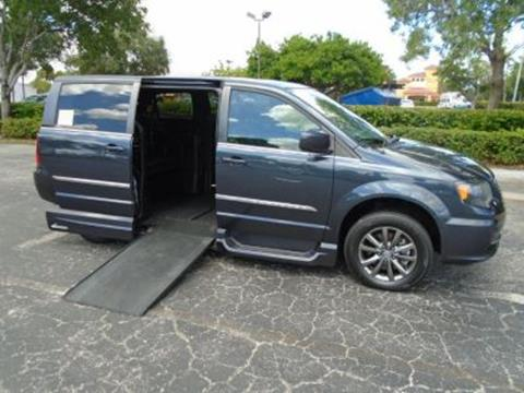 2014 Chrysler Town and Country for sale in Fort Lauderdale, FL