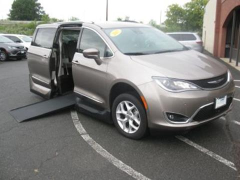 2017 Chrysler Pacifica for sale in East Hartford, CT