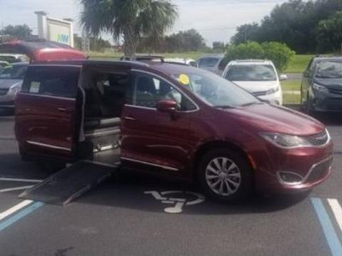 2018 Chrysler Pacifica for sale in Clermont, FL