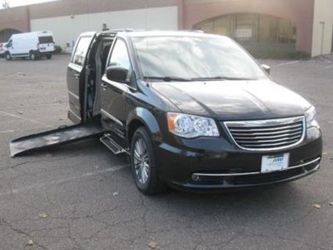 2016 Chrysler Town and Country for sale in Fort Lauderdale, FL