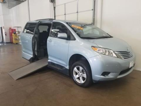 2017 Toyota Sienna for sale in Mesquite, TX
