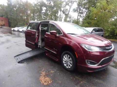 2017 Chrysler Pacifica for sale in Monroeville, PA