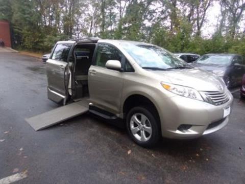 2017 Toyota Sienna for sale in Monroeville, PA