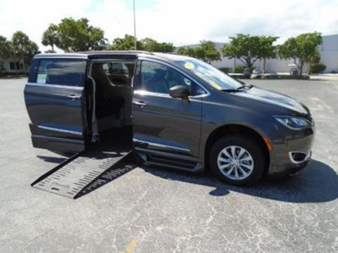 2017 Chrysler Pacifica for sale in Largo, FL