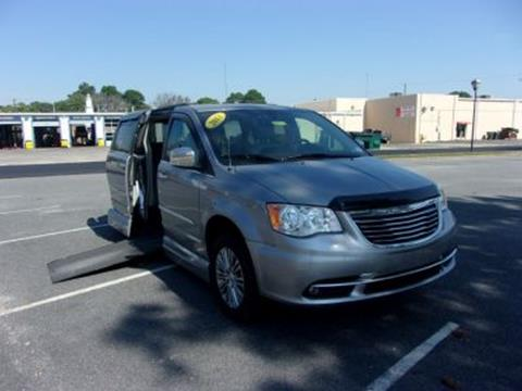 2013 Chrysler Town and Country for sale in Beltsville, MD