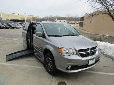 2017 Dodge Grand Caravan SXT for sale at MobilityWorks Corporate - MobilityWorks (Norwood) in Norwood MA