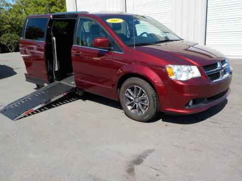 2017 Dodge Grand Caravan SXT for sale at MobilityWorks Corporate - MobilityWorks (Orlando) in Orlando FL