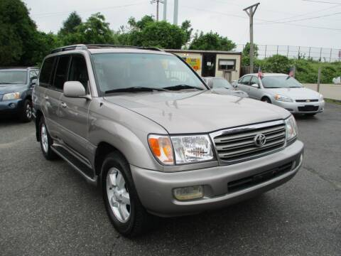 2004 Toyota Land Cruiser for sale at Unlimited Auto Sales Inc. in Mount Sinai NY
