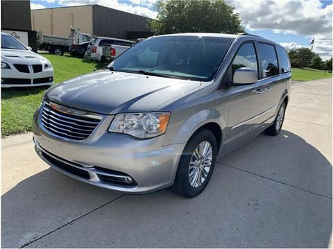 2016 Chrysler Town and Country for sale in Troy, MI