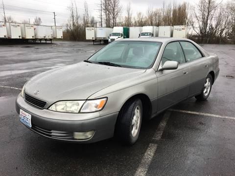 1998 Lexus ES 300 for sale at Rynok Auto Sales LLC in Auburn WA