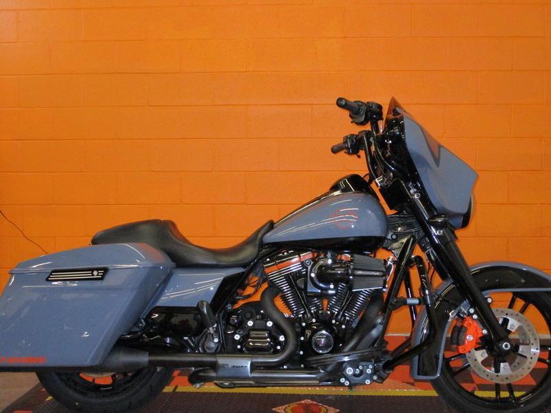 2016 Harley-Davidson® FLHXS - Street Glide® Spe