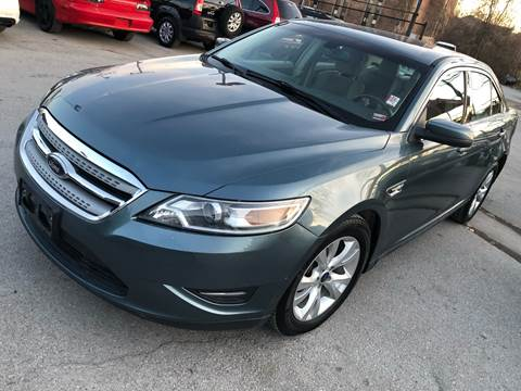 2010 Ford Taurus for sale in Kansas City, MO