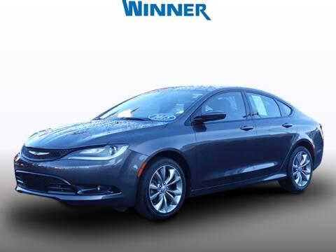 2015 Chrysler 200 for sale in Dover, DE