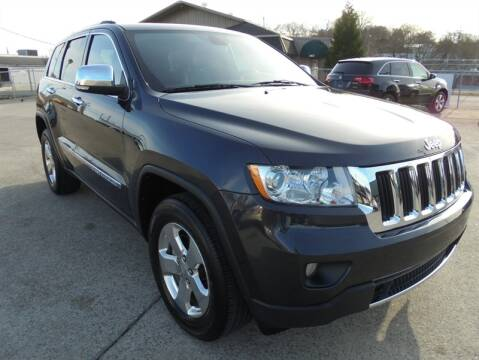 2013 Jeep Grand Cherokee Limited for sale at PIONEER AUTO SALES LLC in Cleveland TN