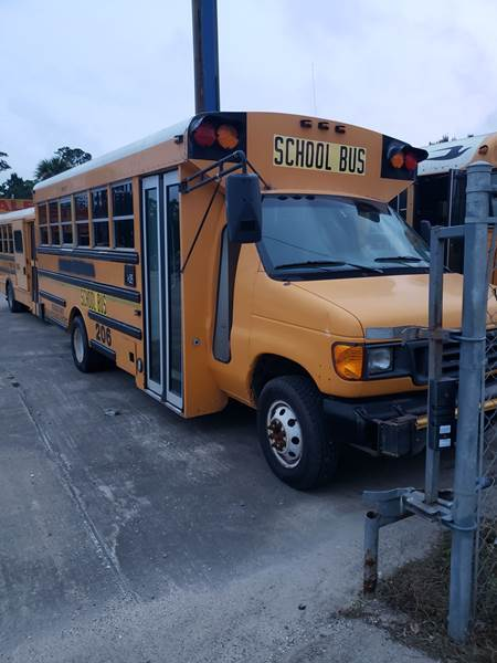 2005 Ford VAN-CON for sale at Global Bus Sales & Rentals in Alice TX