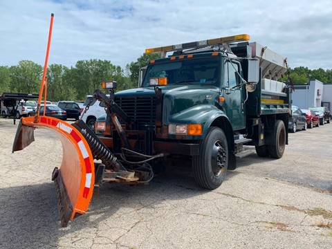 2002 International 4900 for sale at HIGHLINE AUTO LLC in Kenosha WI