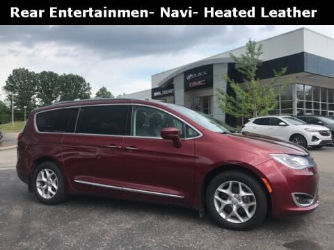 2017 Chrysler Pacifica for sale at Mark Sweeney Buick GMC in Cincinnati OH