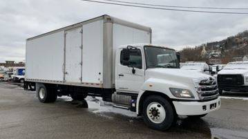2017 Hino 268A for sale in Middletown, CT