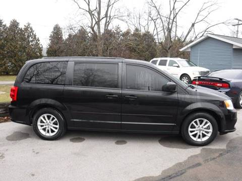 2015 Dodge Grand Caravan for sale at Dave's Car Corner in Hartford City IN
