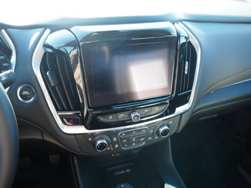 2020 Chevrolet Traverse Premier (image 11)