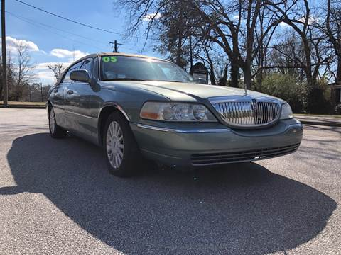 2005 Lincoln Town Car for sale in Winder, GA