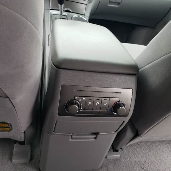 2009 Toyota Highlander (image 10)