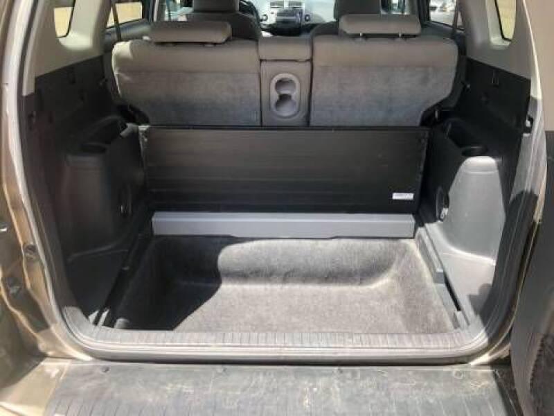 2011 Toyota RAV4 (image 18)