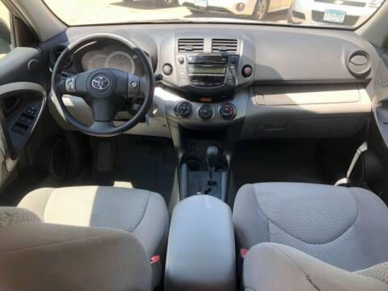2011 Toyota RAV4 (image 10)