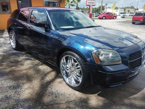 2005 Dodge Magnum for sale in New Port Richey, FL