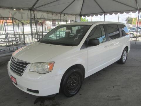 2010 Chrysler Town and Country for sale in Gardena, CA