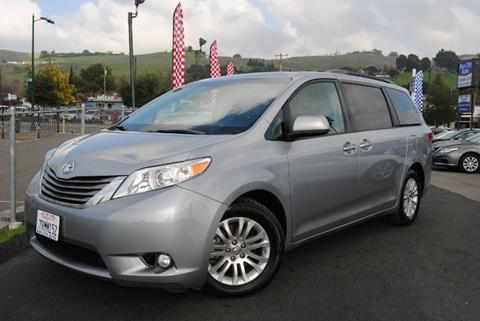 2016 Toyota Sienna for sale in Hayward, CA