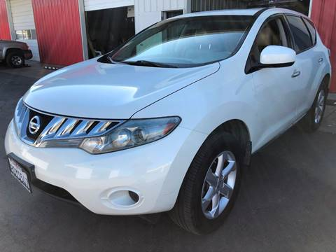 2010 Nissan Murano SL for sale at Ideal Car Sales in Los Banos CA