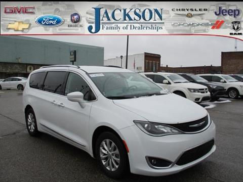 2018 Chrysler Pacifica for sale in Clinton, IN