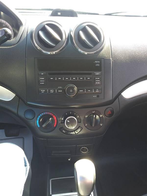 2010 Chevrolet Aveo LT (image 4)