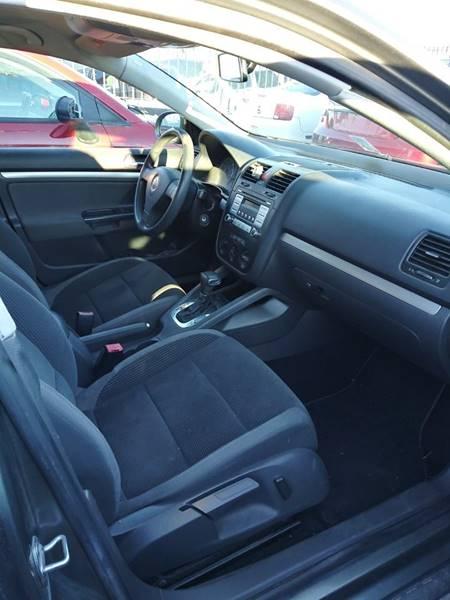2009 Volkswagen Jetta S (image 4)