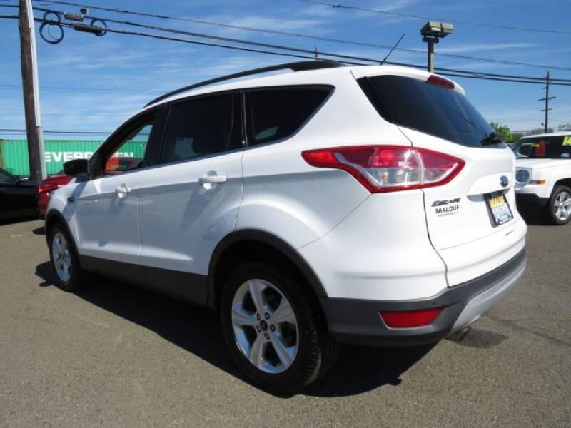2015 Ford Escape SE (image 4)