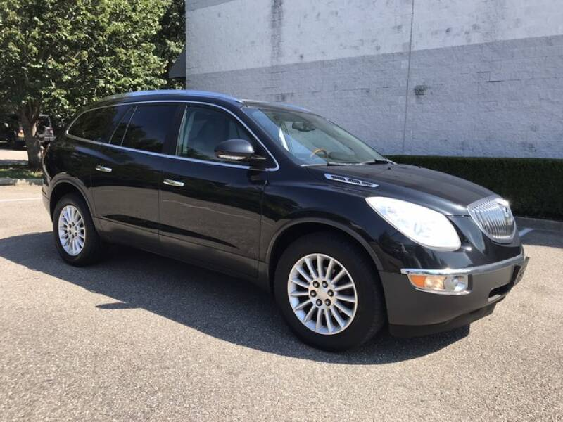 2011 Buick Enclave for sale at Select Auto in Smithtown NY