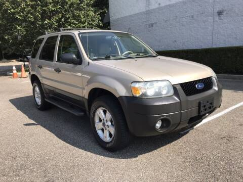 2007 Ford Escape for sale at Select Auto in Smithtown NY
