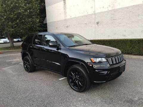2018 Jeep Grand Cherokee for sale at Select Auto in Smithtown NY