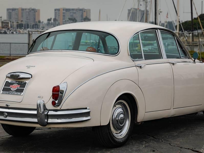 1962 Jaguar MK ll (image 9)